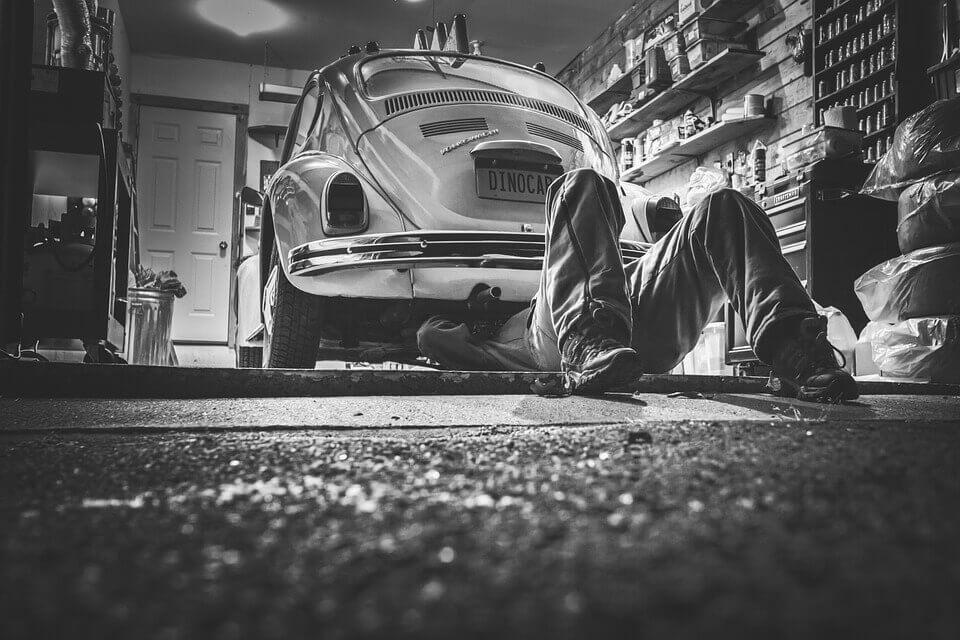 Philadelphia, PA auto mechanic